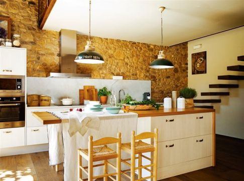 378a5cc083d1dba7407cda3d20a11fd5--old-barns-kitchen-ideas